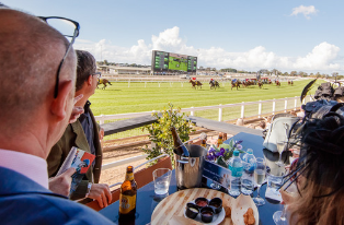 Punters Den | Brisbane Racing Club