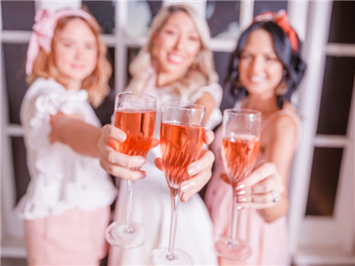 Pink Picnic at Eagle Farm Racecourse | Brisbane Racing Club